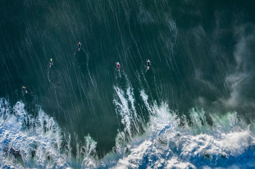 Bali-drone-Surfers01-450px-high